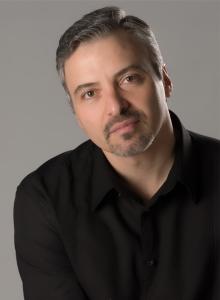 Baritone Gustavo Ahualli
